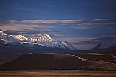 Tingri Fort, Southern Tibet (-- Dirk Jenrich)