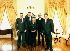 Kiev war criminals pose with their U.S. handler, State Department official Victoria Nuland.