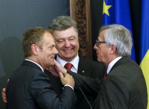 European Council President Donald Tusk, Petro Poroshenko, European Commission President Jean Claude Juncker (--newcoldwar.org)