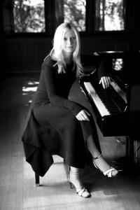 Valentina Lisitsa (--bandsintown.com)