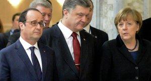 Francois Hollande, Petro Poroshenko, Angela Merkel (--Sputnik/AFP/Maxim Malinovsky)