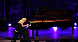 Valentina Lisitsa (--AFP/ Andrew Cowie)