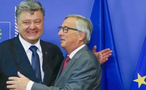 Petro Poroshenko, Jean-Claude Juncker (from --© Reuters/Yves Herman)