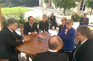 Poroshenko, Hollande, Putin, Merkel in Paris, October 2, 2015 (--censor.net)