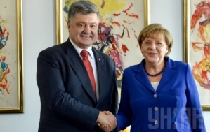 Petro Poroshenko, Angela Merkel, Paris, October 2, 2015 (--Unian)