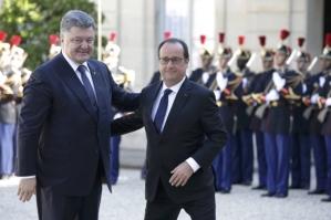 Petro Poroshenko, Francois Hollande (--Unian/Reuters)
