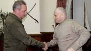 Colonel General Viktor Muzhenko, Chief of General Staff, and Dmitry Yarosh agreed on the cooperation between 'Pravy Sector' [Right Sector] and the Ukrainian Armed Forces. (--mil.gov.ua)