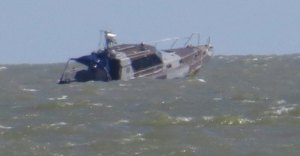 Self-mined Ukrainian boat sinks near Mariupol (--Ukraine Today)