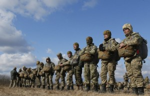 Military exercises of Ukrainian armed forces (--Tass © EPA/Sergey Dolzhenko)
