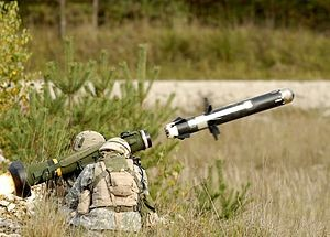 US troops fire Javelin missile (-- Wikipedia)