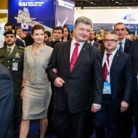 Petro Poroshenko, IDEX 2015 (--Ukroboronprom)