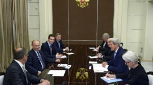 Russian President Vladimir Putin (second left) meeting with US Secretary of State John Kerry (second right) at the Bocharov Ruchei residence in Sochi, May 12, 2015.(-- RIA Novosti/Aleksey Nikolskyi)
