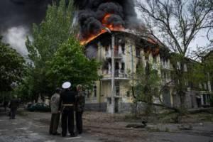 Mariupol, May 9, 2014 (--Graham Phillips)