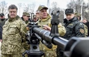 Petro Poroshenko (left), Turchinov (right) (--Nikolay Lazarenko/Ukrainian president's press service/TASS)