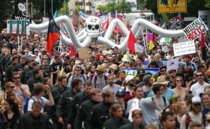 Protesters, Garmish-Partenkirchen, 2015