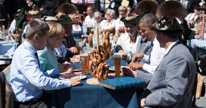 Merkel, Obama in Krun, Germany (--G7 Home page)