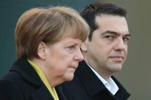Angela Merkel, Alexis Tsipras (--juergenelsaesser.wordpress.com)