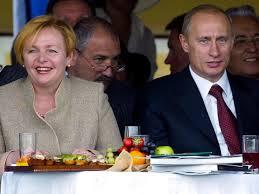 Vladimir Putin, Lyudmila Putina (--news.nationalpost.com)