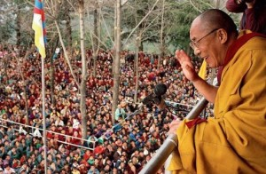 Tenzin Gyatso in Dharamsala, India, home of Tibet's Government-in-Exile, 1997 (--mikeldunham.blogs.com)