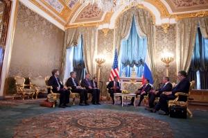 Medvedev meets West, Kremlin (--wikimedia/Pete Souza)