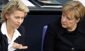 Ursula Von der Leyen, Angela Merkel (--.theguardian.com)