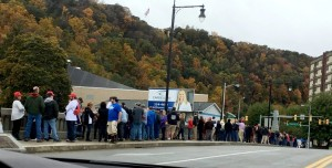 Line at Johnstown Rally (--Peter Kizenko)