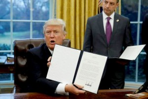 Trump signs executive order withdrawing US from Trans-Pacific Partnership (--Las Vegas Review-Journal)