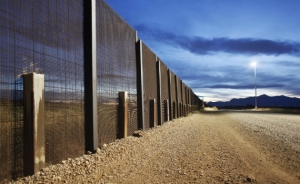 "Border ""wall"" in Texas"